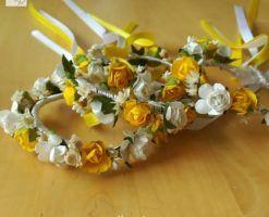 Pulseras de flores de papel y preservadas